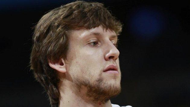 Český basketbalista Jan Veselý reprezentaci nepomůže.