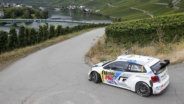 Francouz Sébastien Ogier během Německé rallye.