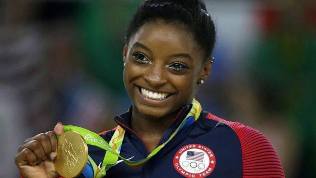 Čtyřnásobná olympijská vítězka Simone Bilesová.