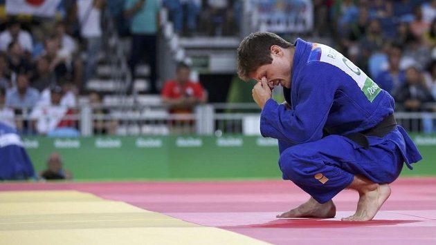 Zklamaný judista Pavel Petřikov. Na olympijských hrách skončil v osmifinále, když nestačil na Japonce Naohisu Takatóa.