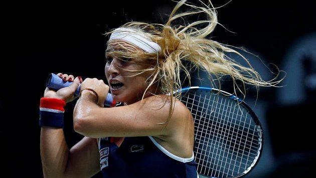 Dominika Cibulková v zápase s Rumunkou Simonou Halepovou.