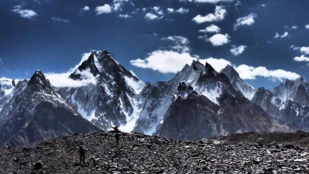 Horolezci vyrážejí ze základního tábora na K2.
