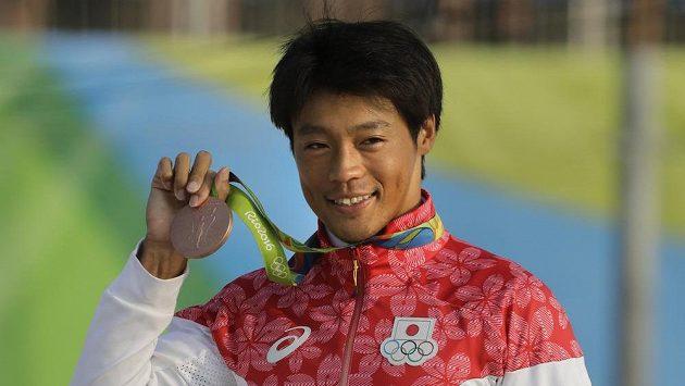 Takuja Haneda s bronzovou medailí z Ria.
