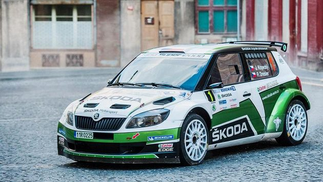 Jan Kopecký se spolujezdcem Pavlem Dreslerem je po úvodu Rallye Bohemia druhý.