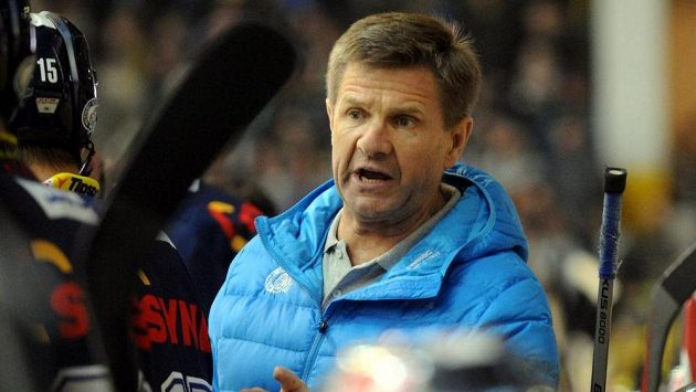 Nový trenér Liberce Rostislav Čada během zápasu v Litvínově.