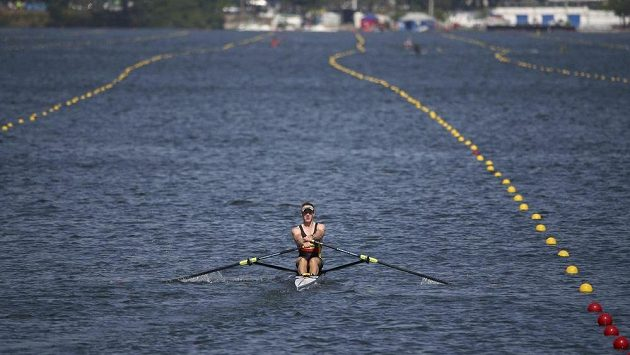 Druhý soutěžní den veslařů na olympijských hrách v Riu de Janeiro byl kvůli silnému větru zrušen.