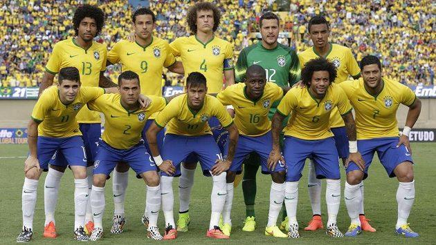 Brazilci mají na MS nejdražší tým. Horní řada, zleva: Dante, Fred, David Luiz, Julio Cesar, Luiz Gustavo. Spodní řada, zleva: Oscar, Daniel Alves, Neymar, Ramires, Marcelo a Hulk.