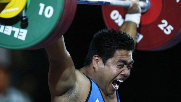 Vzpěrač David Katoatau z Kiribati na hrách Commonwealthu.