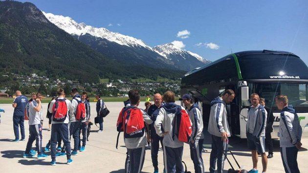 Čeští fotbalisté ve středu dorazili na soustředění do rakouského Kranzachu.