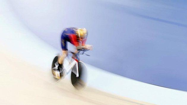 Britský cyklista Bradley Wiggins posunul rekord v hodinovce.