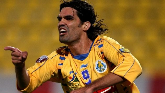 Bývalý brazilský fotbalista Fernandao přišel při nehodě vrtulníku o život.