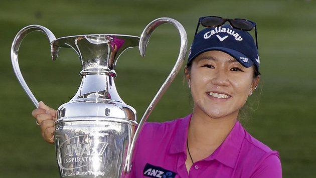 Lydia Koová z Nového Zélandu po triumfu v Rancho Mirage.