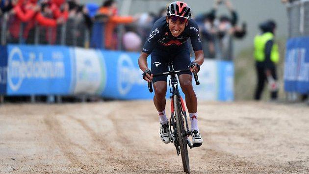 Kolumbijec Egan Bernal vyhrál devátou etapu Gira a má růžový trikot