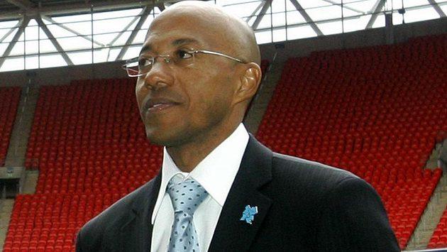 Bývalý namibijský sprinter a člen vedení mezinárodní atletické federace IAAF Frankie Fredericks byl ve Francii předběžně obviněn v souvislosti s korupčním skandálem při volbách dějiště olympijských her 2016.