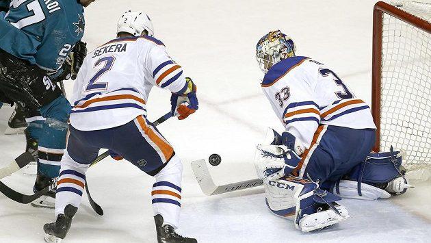 Hokejisté Slovenska se na letošním MS obejdou bez posil z NHL. Obránce Andrej Sekera ještě bojuje o Stanley Cup.