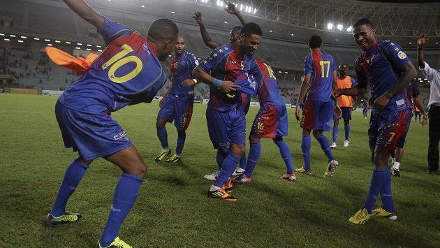 Fotbalisté Kapverd slaví vítězství nad Tuniskem v kvalifikaci MS 2014.