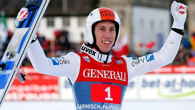 Rakouský skokan na lyžích Thomas Diethart se raduje z vítězství v Garmisch-Partenkirchenu.