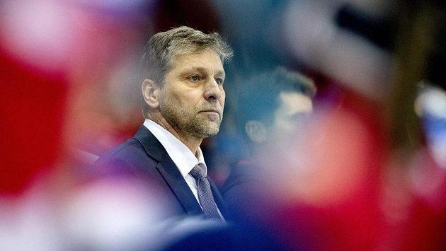Trenér Josef Jandač na střídačce české hokejové reprezentace.