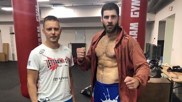 Trenér a manažer Martin Karaivanov (vlevo) a zápasník MMA Jiří Procházka.