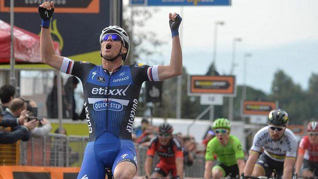 Zdeněk Štybara v cíli druhé etapy závodu Tirreno-Adriatico.