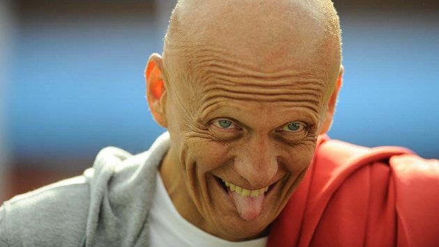 Bývalý italský fotbalový sudí Pierluigi Collina navrhl úpravu pravidel.