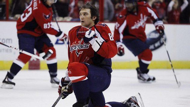 Washington Capitals se trápí, jeho kapitán Alexandr Ovečkin je podrážděný.