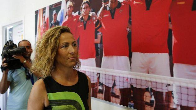 Nová kapitánka španělského daviscupového týmu Gala Leónová po uvedení do funkce.