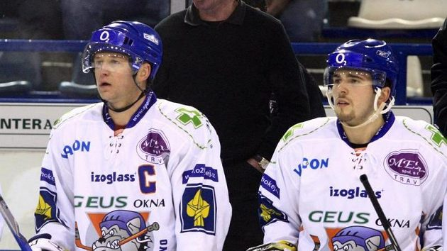 Pavel Patera (vlevo) na kladenské střídačce.