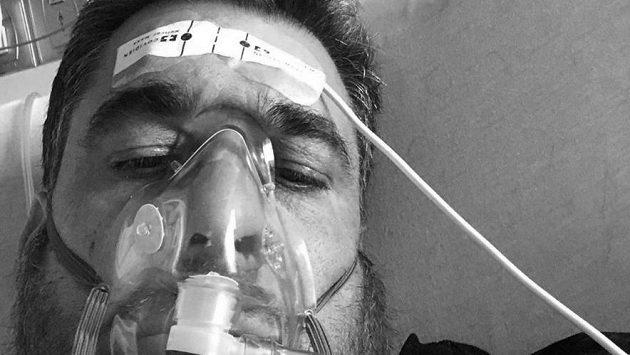 Tragédie, která rozplakala Ameriku. Legendární fotograf Anthony Causi prohrál svůj boj o život.