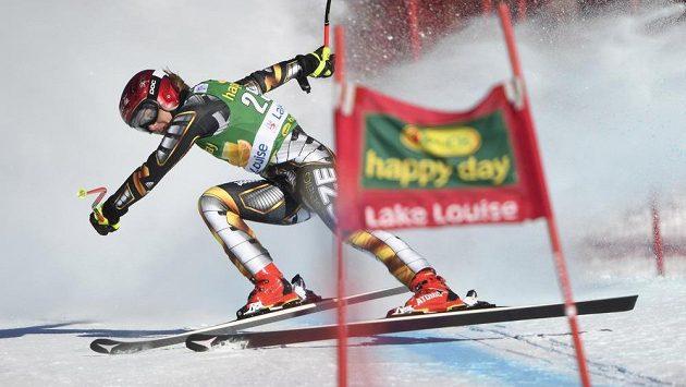 Ester Ledecká při super-G v Lake Louise.