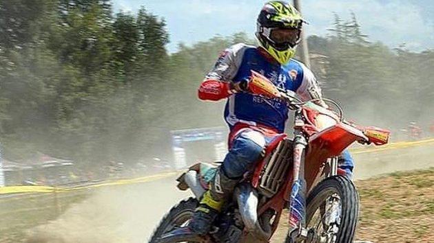 Čeští reprezentanti bojující o Světovou trofej na endurové Šestidenní se po pátém dnu posunuli na průběžně šesté místo.