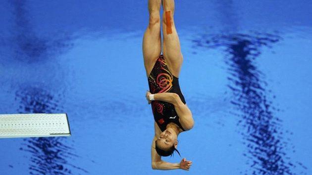 Čínská skokanka do vody Wu Min-sia vyhrála individuální závod na třímetrovém prkně.
