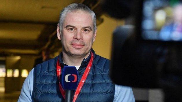 Milan Antoš v roli komentátora.