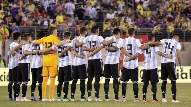 Fotbalisté Argentiny v přípravě proti Kolumbii.