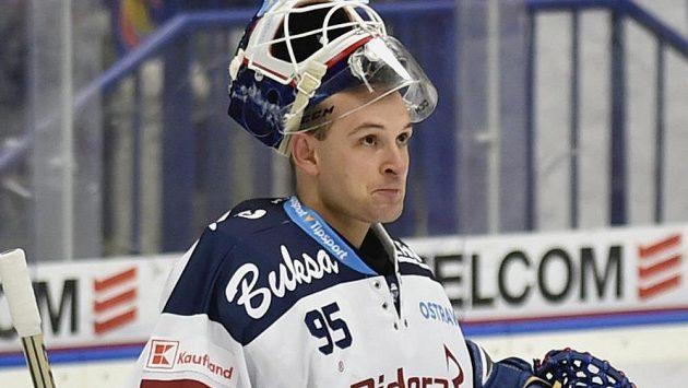 Brankář Vítkovic Miroslav Svoboda.
