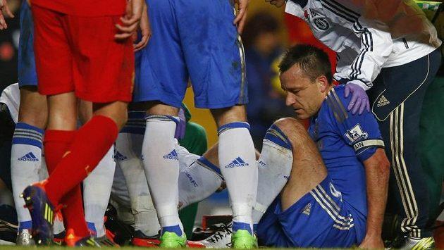 John Terry zápas s Liverpoolem nedohrál. Nezahraje si ani na MS klubů.