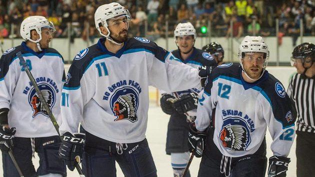 Plzeňští hokejisté Roman Vráblík, Michal Moravčík, Jakub Pour a Roman Vlach během utkání s Českými Budějovicemi.