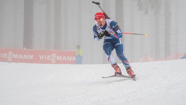 Ondřej Hošek při štafetě Světového poháru v Oberhofu.