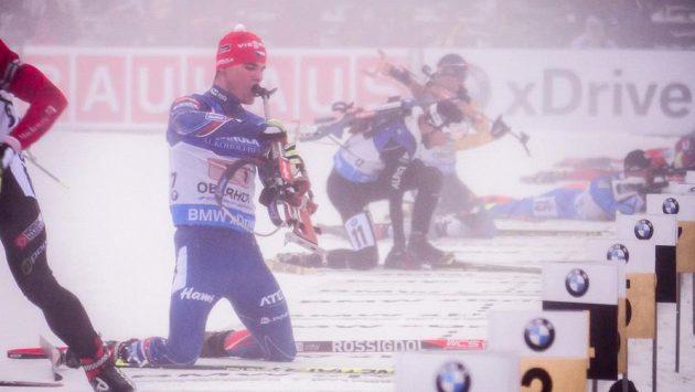 Biatlonista Michal Krčmář měl v Oberhofu potíže nejen na střelnici.