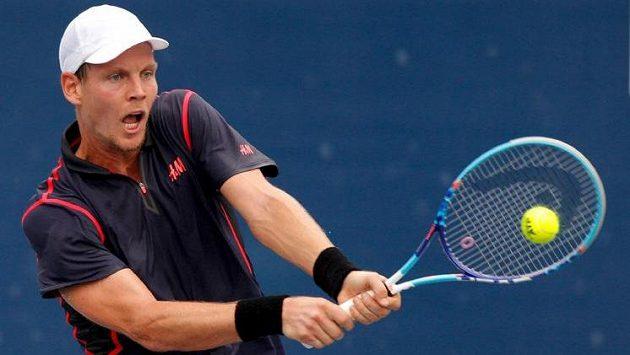 Český tenista Tomáš Berdych prohrál na turnaji v Pekingu s Pablem Cuevasem z Uruguaye.