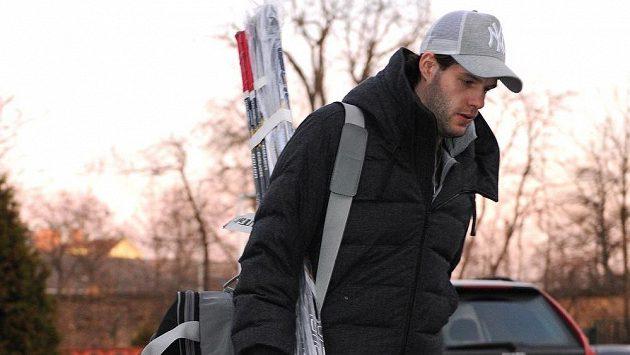 Útočník Tomáš Vincour přichází na sraz české hokejové reprezentace v holešovické Tipsport areně.