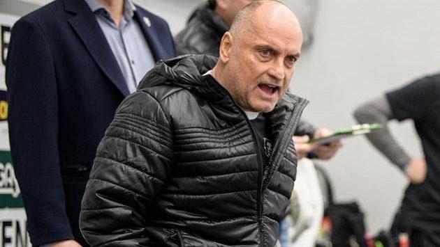 Trenér Mladé Boleslavi Vladimír Kyhos.