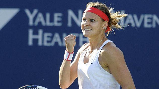 Česká tenistka Lucie Šafářová postoupila na turnaji v New Havenu do finále.