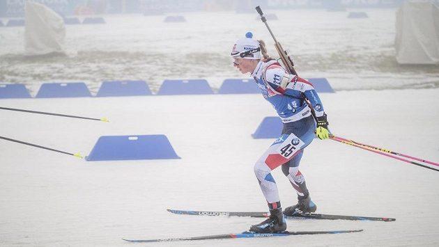 Eva Kristejn Puskarčíková při sprintu v Oberhofu.