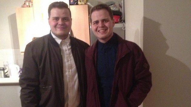 Jack Glenny se svým bratrem Joem.