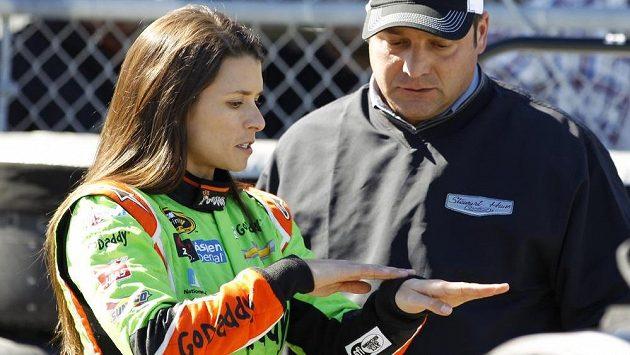 Danica Patricková během závodů série NASCAR v Daytoně.