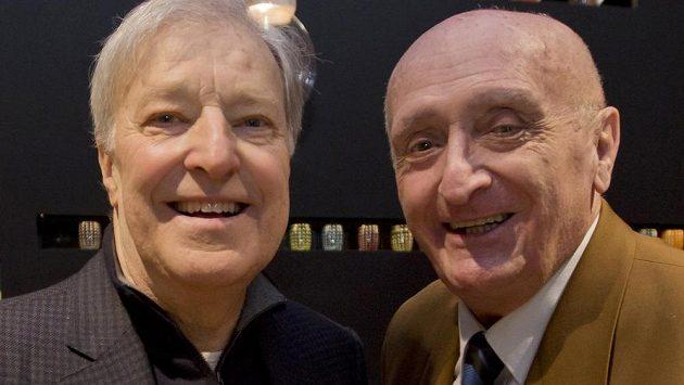 Pavel Korda (vpravo) na oslavě sedmdesátých narozenin Jana Kodeše (vlevo).