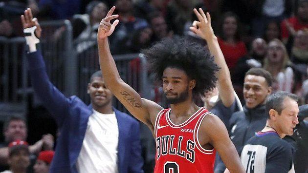 Coby White z Chicaga při utkání s New York Knicks.