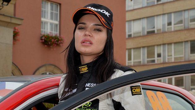 Inessa Tuškanovová na startu Barum rallye ve Zlíně.