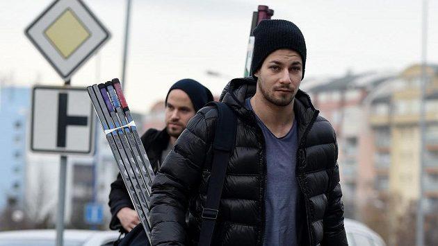 Hokejista Jakub Valský se vrací do Liberce.